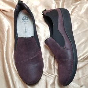 Clarks Maroon & Black Loafers